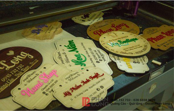 Cơ sở nhận làm biển gỗ, bảng gỗ tên shop dùng làm đạo cụ chụp hình quảng cáo sản phẩm